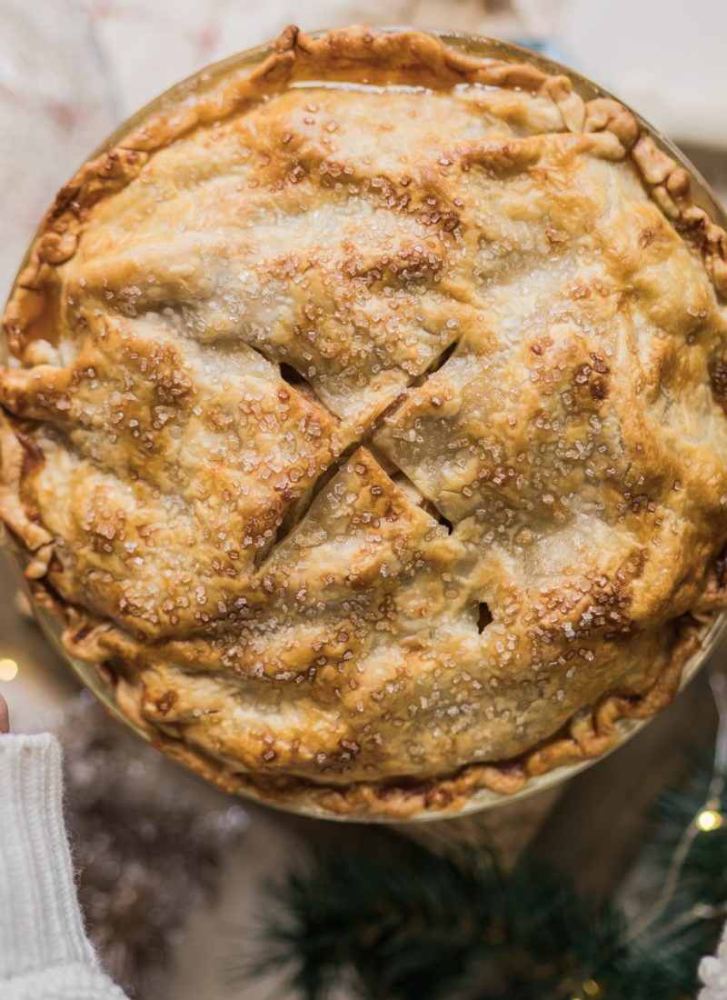 Simple Holiday Fresh Apple Pie