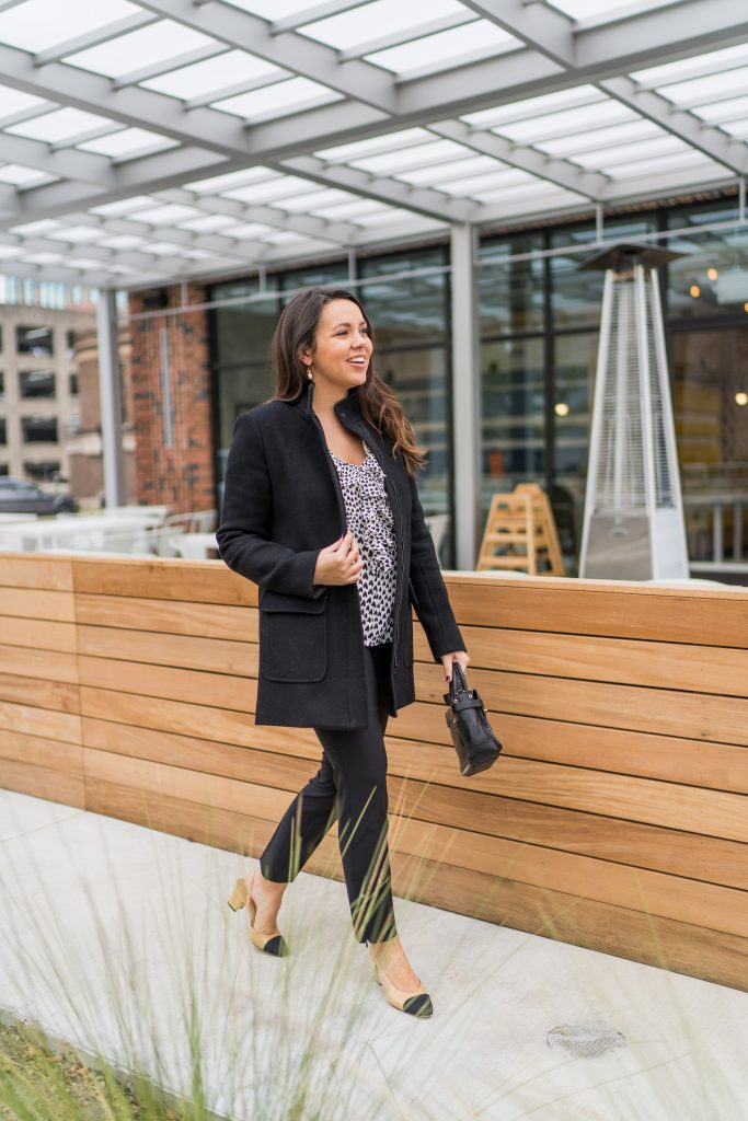 Classic black & white workwear outfit idea