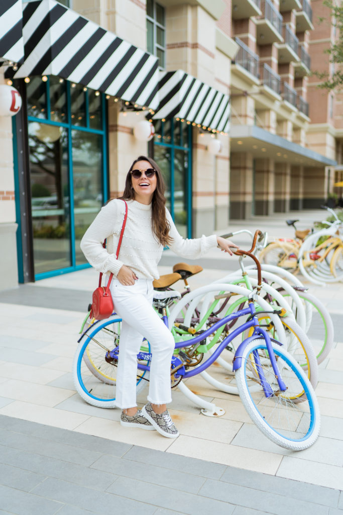 white on white outfit idea for springtime