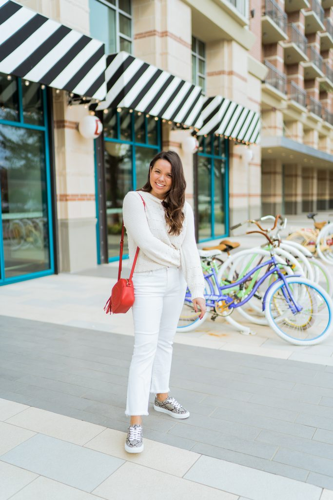 Preppy all white outfit idea for spring