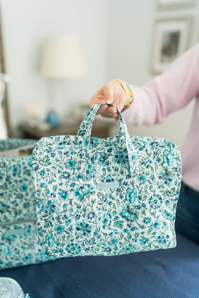 Vera Bradley travel hanging bag for beauty and cosmetic products