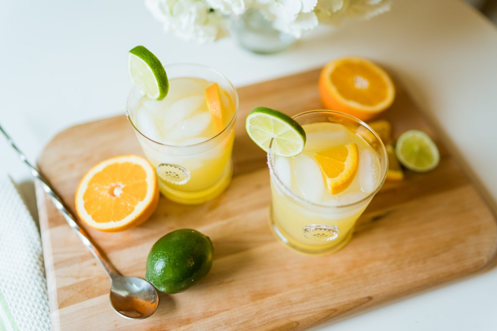 Easy to make skinny margarita cocktail