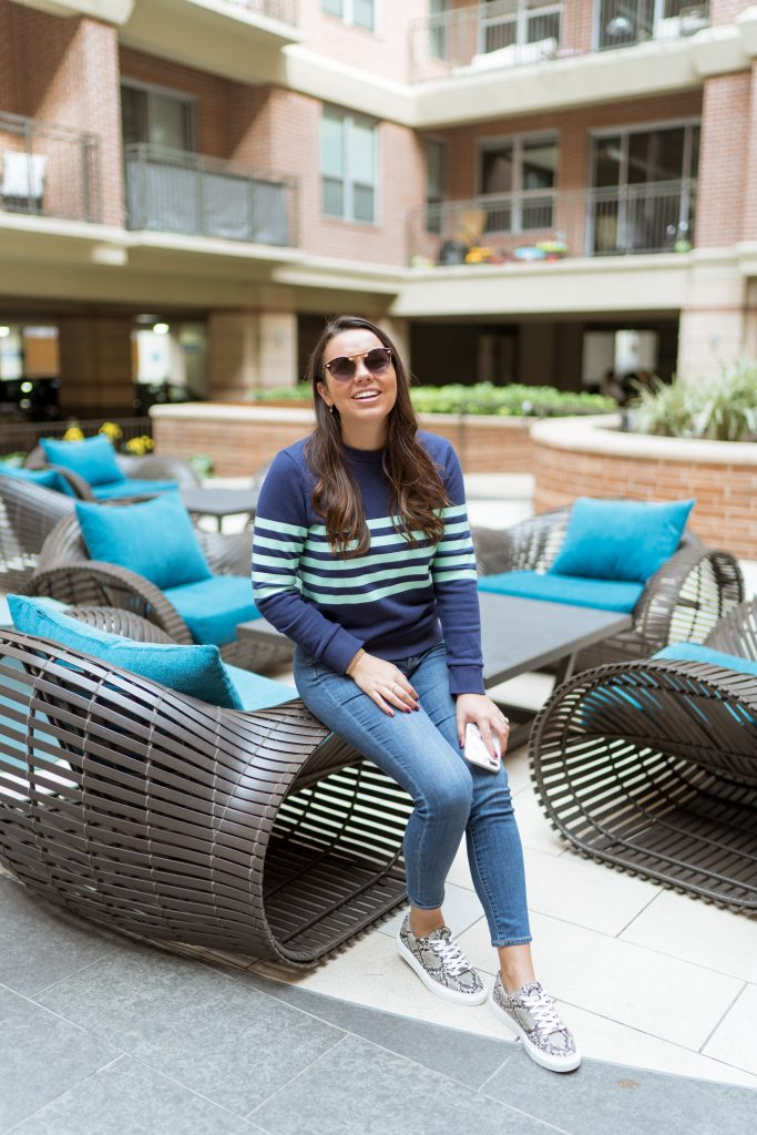 Preppy striped navy sweatshirt
