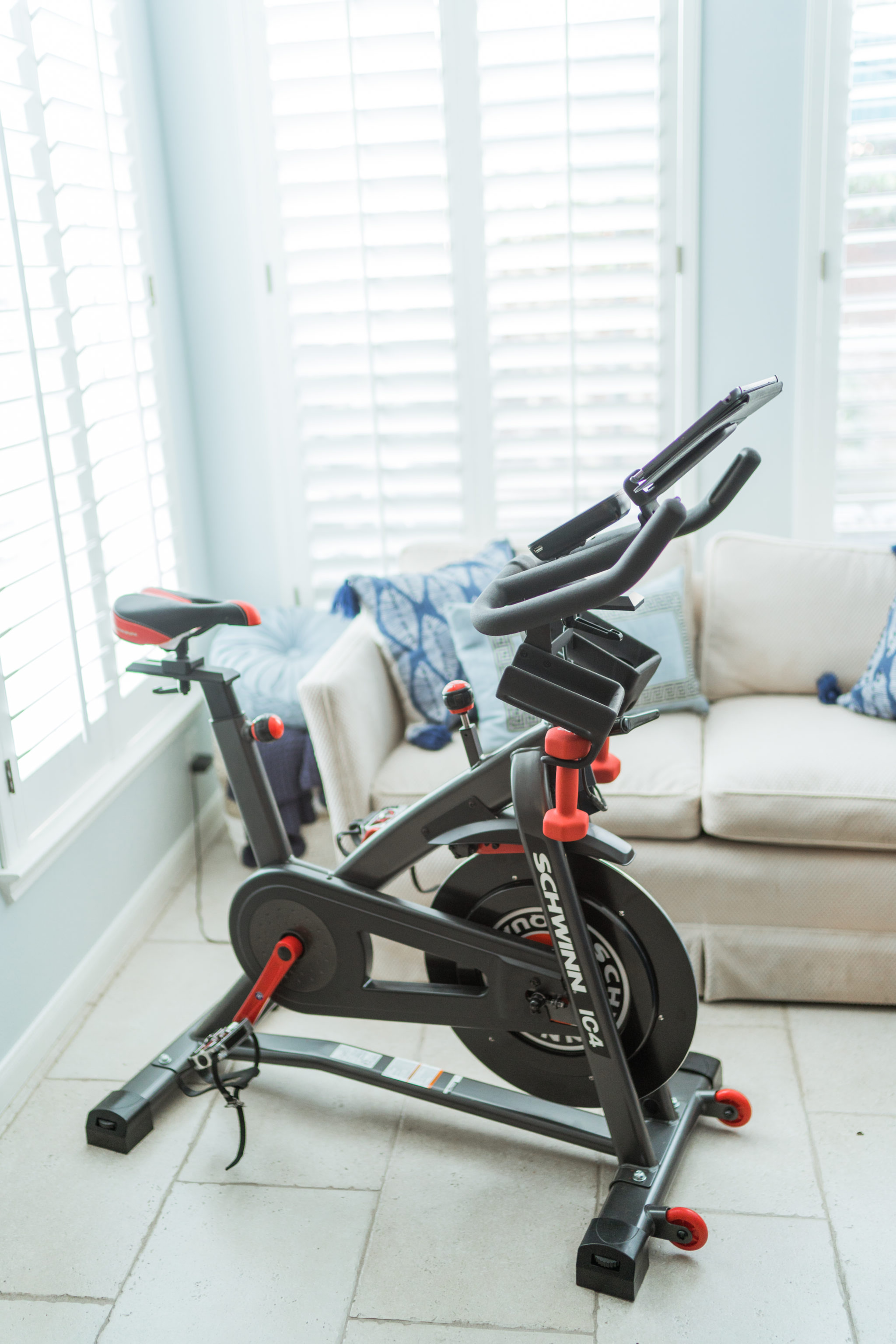 Schwinn IC4 spin bike review