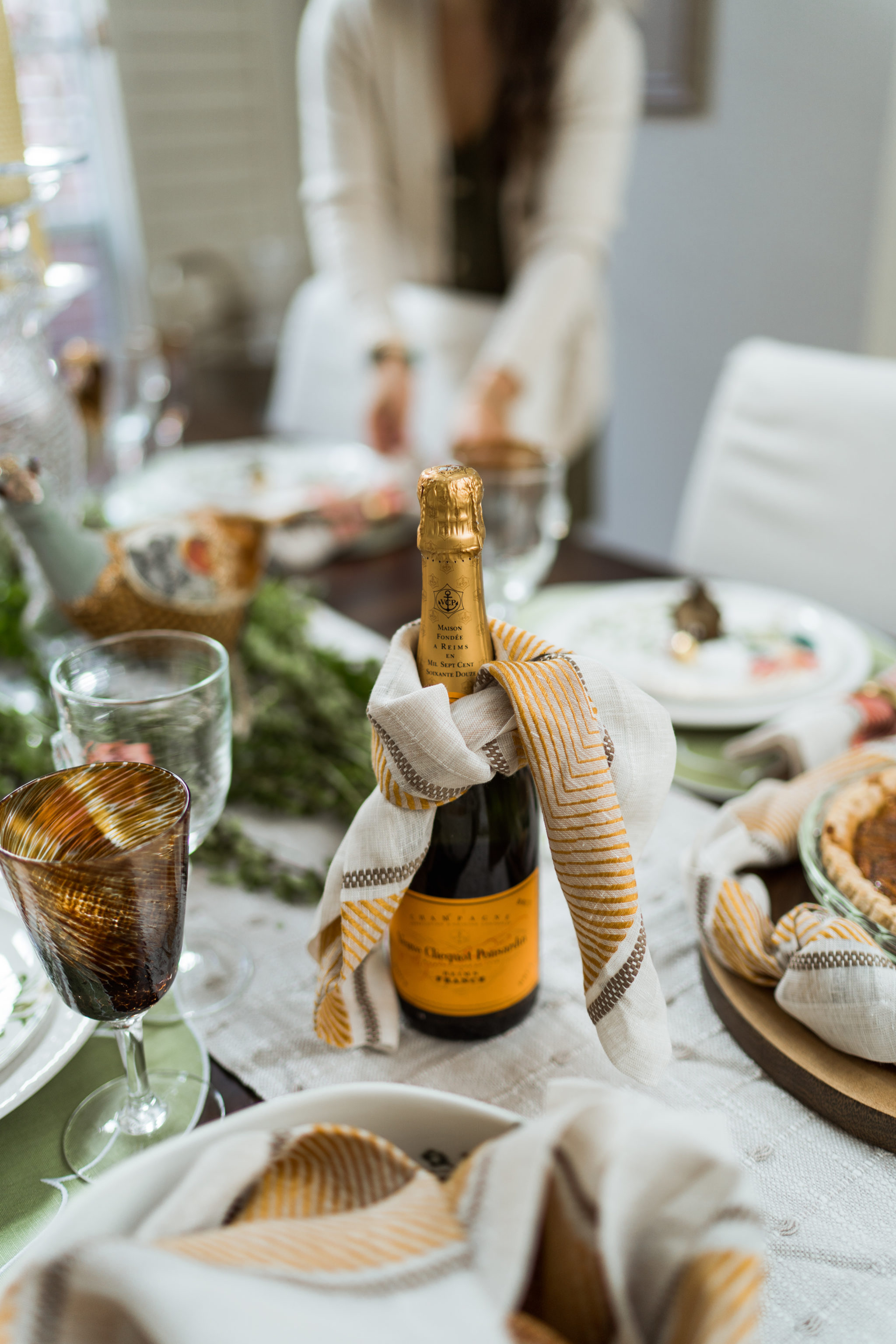 Timeless Thanksgiving table top decor