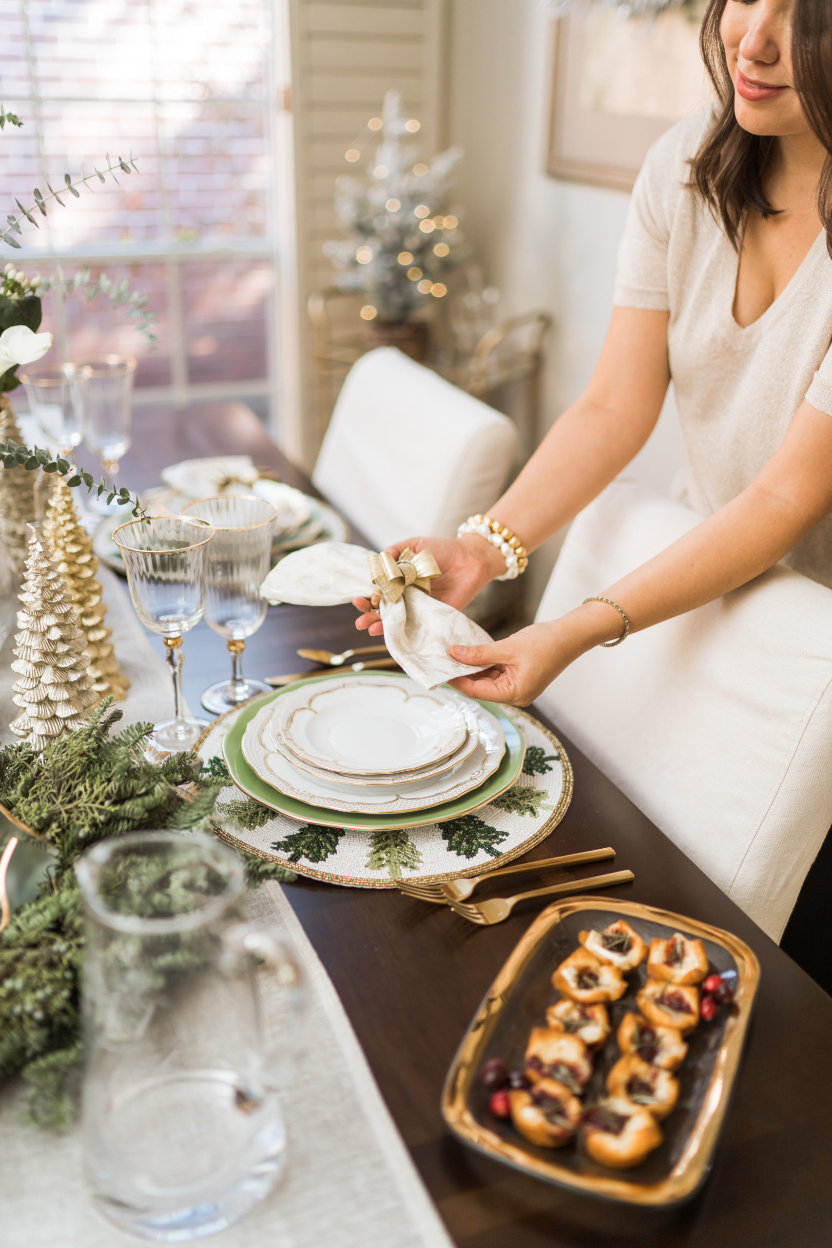 Green and gold Christmas table